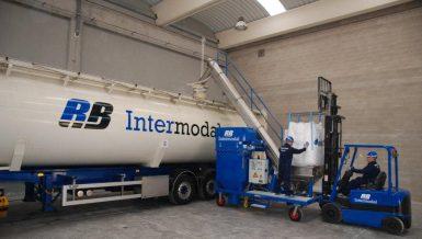 RB Intermodal Uses Dino Bulk Truck Loaders Worldwide