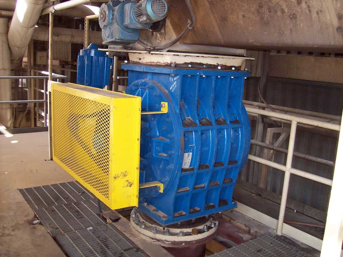 Lignite Fuel Feed at a Texas Utility