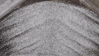Mitigating segregation in mass flow bins