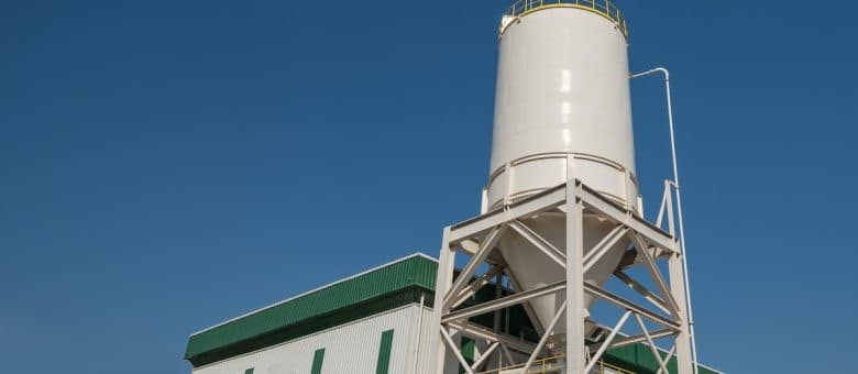 What Do Chutes And Hoppers Do In Pneumatic Conveying Systems?