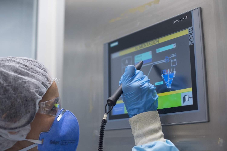 Tradichem uses Piab's vacuum conveyor to miniaturize active pharma ingredients
