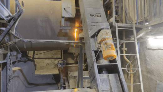 Dust Minimization in Furnace Feeding with an Olds Elevator