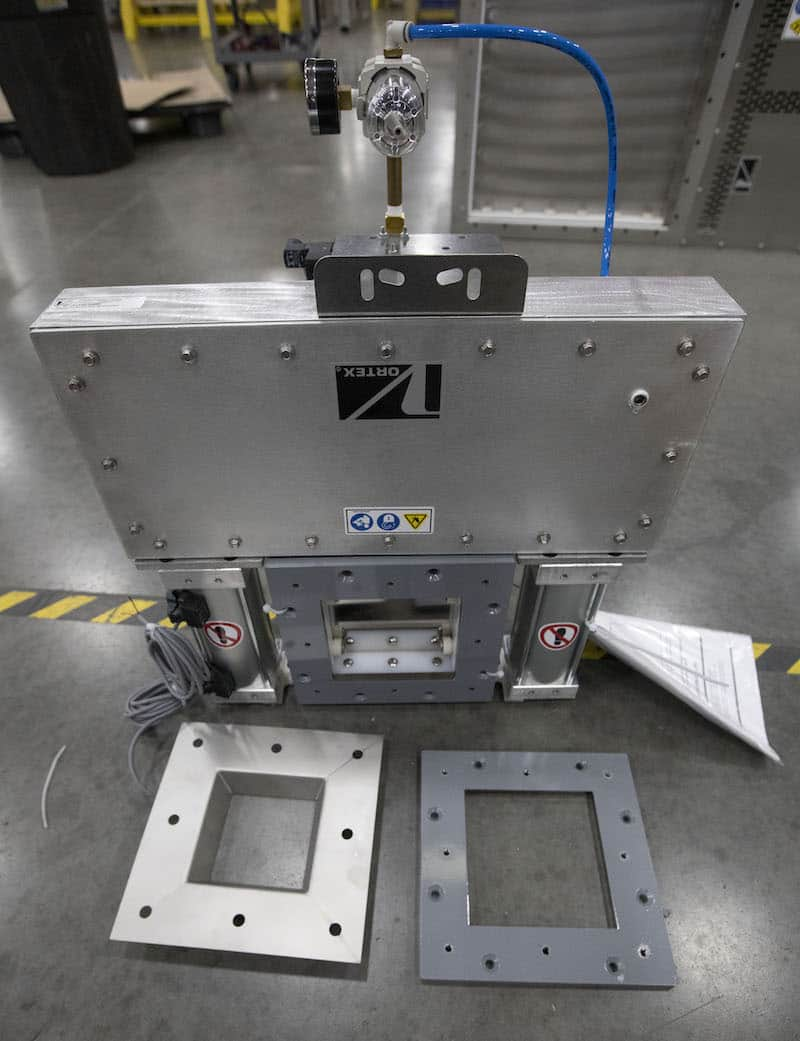Dual Cylinder Roller Gate to Handle Sorbitol
